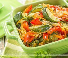 Cukinia, pomidory i bakłażany duszone na oliwie