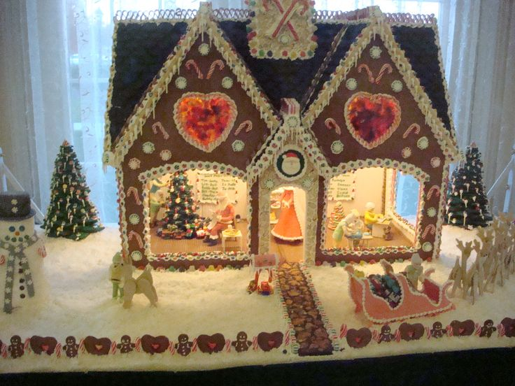 Galloway gingerbread house | This house was made by our chef… | Flickr - Photo Sharing!