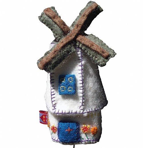 """Muziekdoosje """"Molen"""", lief kraamcadeautje! / musicbox windmill, made from felt"""