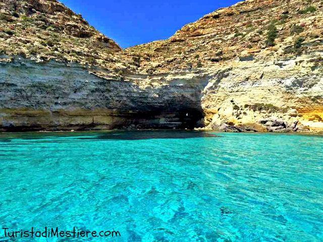 Cala Tabaccara, Lampedusa http://www.turistadimestiere.com/2015/05/lampedusa-il-paradiso-e-qui.html