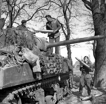 British Sherman Firefly - Tank Crew loads up fresh pack of 17pdr APDS shells