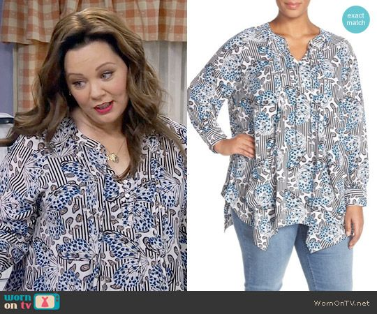 Molly's striped butterfly print blouse on Mike and Molly.  Outfit Details: https://wornontv.net/57361/ #MikeAndMolly