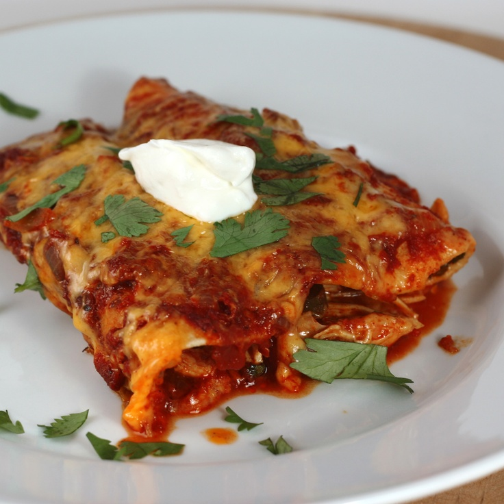 Healthy chicken enchilada's done in the crockpot/slow cooker.  Healthy food that is not only nourishing but also comfort food that warms you through.  This easy recipe for chicken enchiladas done in the crock pot is family friendly and great for your weight loss plans.  This recipe serves 6 www.losebabyweight.co.nz/2012/04/crock-pot-enchiiladas/