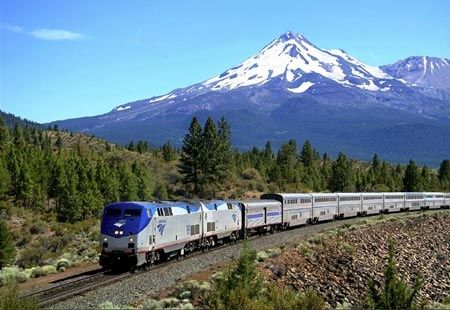 I live my life on Coast Starlight time, when I see it running on time, my life seems more on track.