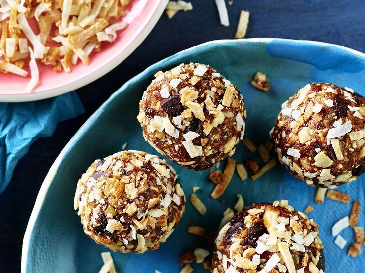 Toasted Coconut Trail Mix Bites – Uteki Recipes, Food, & Cooking