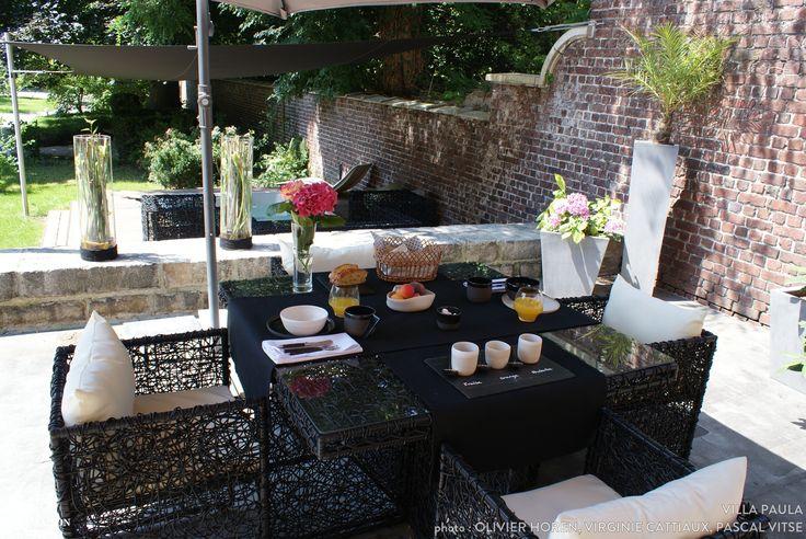 Un jardin d'extérieur où il fait bon se ressourcer l'été