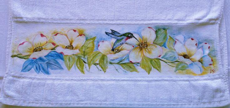 Toalha pintada a mão: Beija-flor | Artesanato Acadia | Elo7