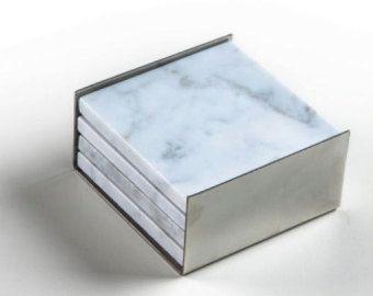 4 Square Carrara Marmor Untersetzer Kupfer Nest von Marbleandmetal