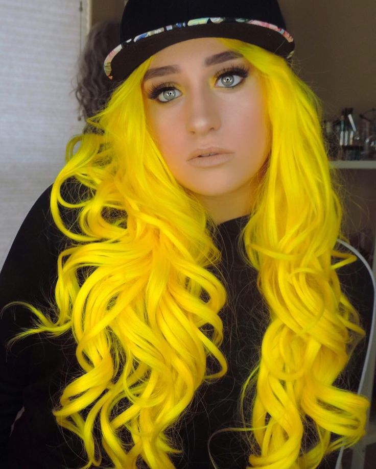I love her wigs