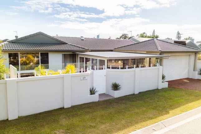 WONDERLAND WATERFRONT, a Gold Coast Waterfront House | Stayz
