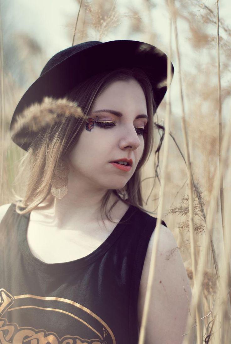 Photographer: Anna Jankowska  Model, MUA, hair and stylization: Marta Sara Blanka  Like me on Facebook: https://www.facebook.com/xMartaSaraBlankax  Follow my Instagram: https://instagram.com/martasarablanka