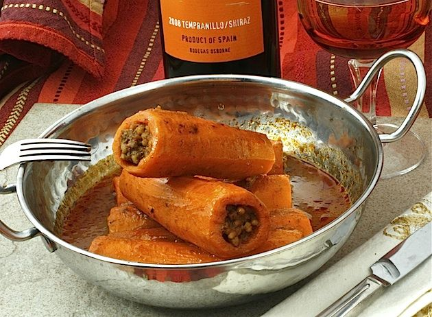 carrots stuffed with maftool: Recipes Ideas, Arabic Recipes, Ground Meat, Eastern Recipes, Carrots Stuffed, Carrots Recipes, Stuffed Carrots, Secret Recipes, Tamarind Sauces