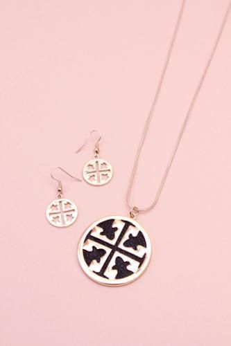 Gold And Black Cut Out Medallion Set