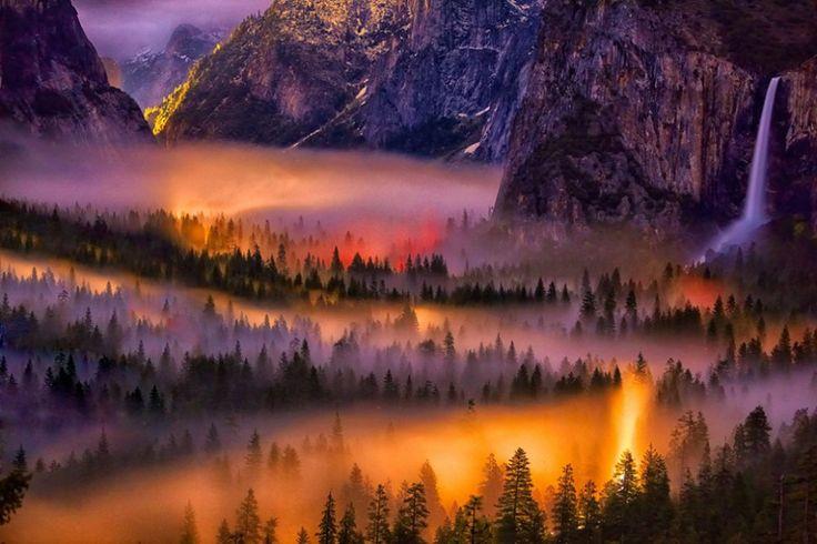 Coucher de soleil dans le parc national de Yosemite, Etats-Unis