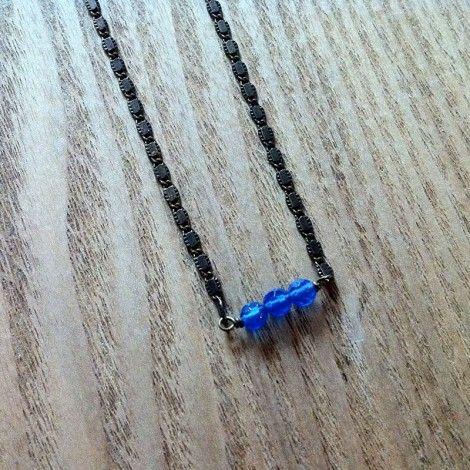 Ras de cou Blue // © LA2L // laiton, hauteur 20 cm