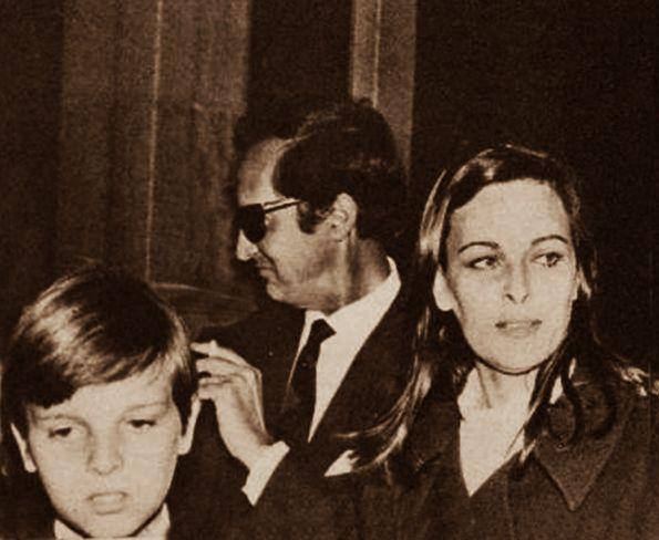 Miguel Bosé con sus padres Luis Miguel Dominguín y Lucía Bosé.