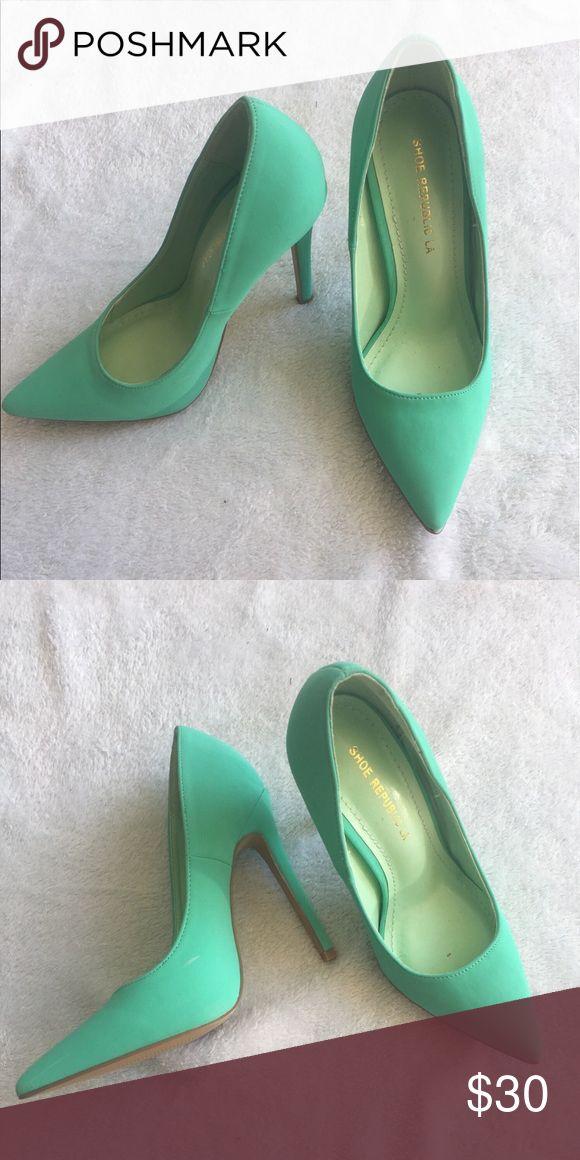 Aqua high heels Aqua heels never been worn. shoe republic LA Shoes Heels