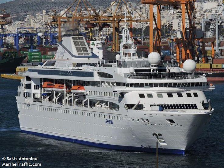 Το Celestyal Nefeli καταπλέει στον Πειραιά. 05/03/2016.