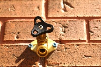 How to Fix Dripping Outdoor Faucet Valves