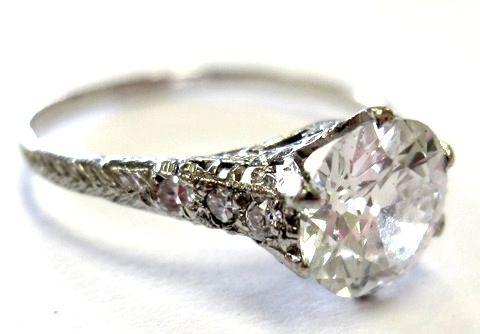 love!: Vintage Diamond, Vintage Engagement Rings, Idea, Beautiful, Diamonds Rings, Vintage Rings, Wedding Rings, Antiques Rings, Vintage Style