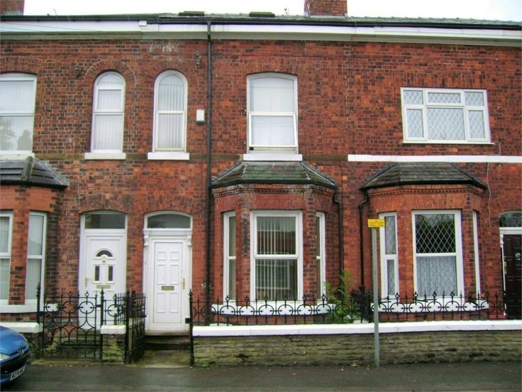 ****ROOM IN A SHARED HOUSE, RENT INCLUSIVE OF ALL BILLS!!**** One DOUBLE bedroom available to rent in this PROFFESSIONAL five bedroomed HOUSE SHARE, accommodation...