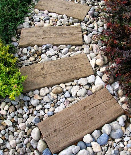 Every garden has a pathway, here are some creative ways to make your garden look even better. 1.Using rocks surrounded by beds of flower is a lovely way to show of your green thumb as you walk around your garden....