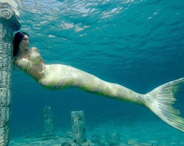 Review Awesome real mermaid videos. Should not miss it.follow me realmermaidvideos...