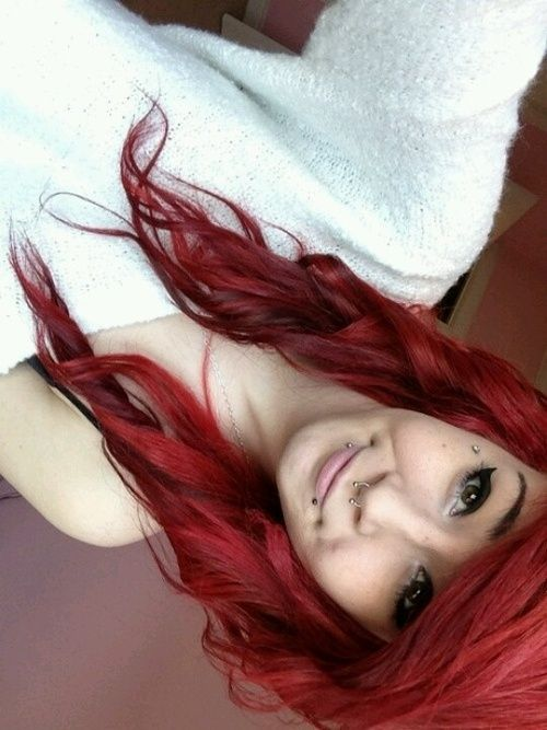 #piercings #red hair OMG I love her scene hair, the red is fabulous. You never see curled scene hair.