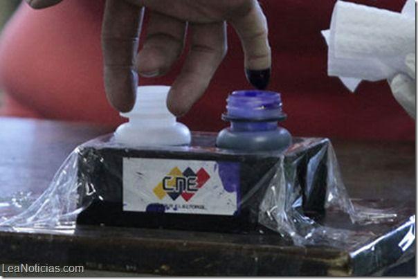 Gran cantidad de votos nulos han sido reportados en todo el país - http://www.leanoticias.com/2013/12/11/gran-cantidad-de-votos-nulos-han-sido-reportados-en-todo-el-pais/