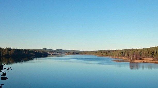Den gamla bron över Vindelälven vid Ruskträsk kan bli en turismanläggning. 21 övernattningsstugor, restaurang och konferenslokaler planeras.