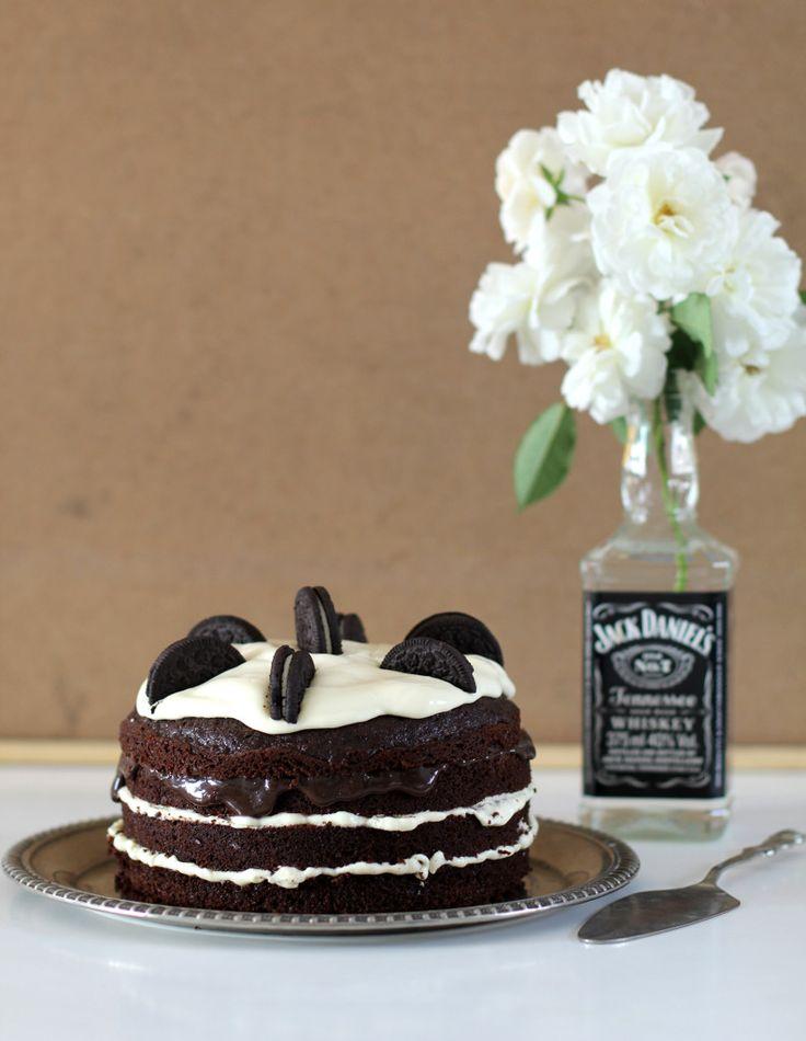 Naked cake Oreo: bonito, simples e delicioso! Veja a receita desse bolo no blog!