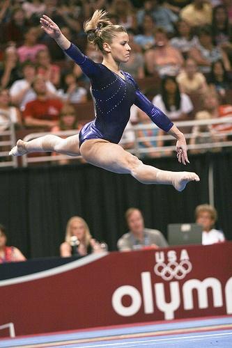 Alicia Sacramone gymnast, women's gymnastics, WAG, floor routine FX