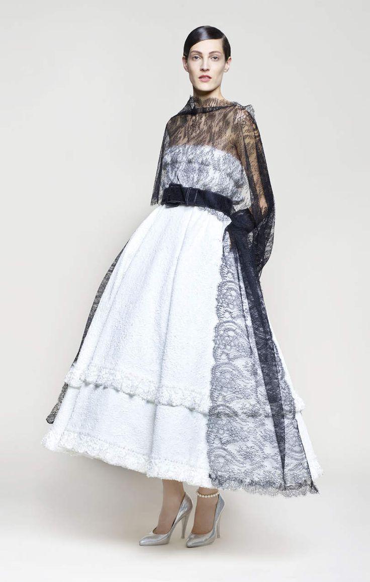 1037 best noir et blanc haute couture images on pinterest for Haute official