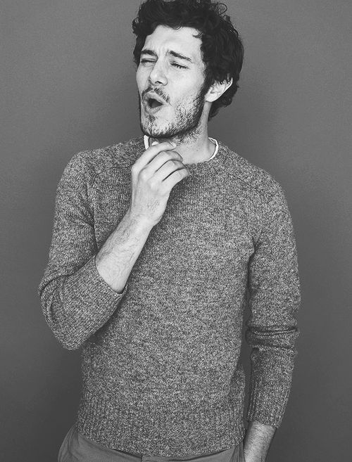 Rekindling my love for Adam Brody.....MEGA SWOON! must watch new series of New girl...ASAP!