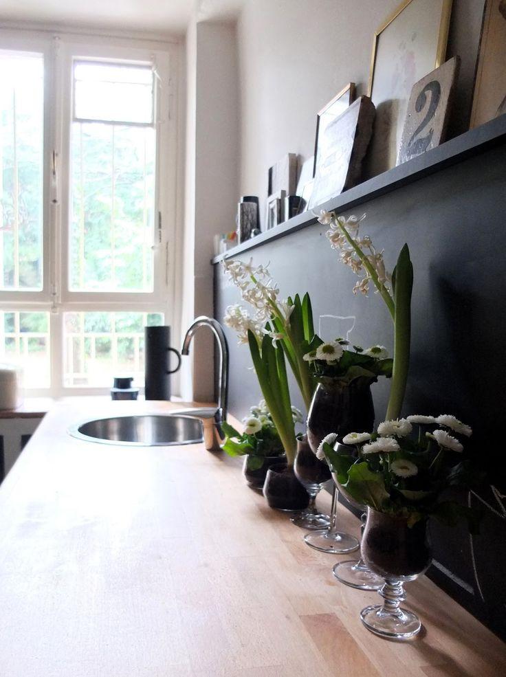 Frühling im Glas I Küche I schwarzweiß I Typo I Arbeitsplatte I Holz I…