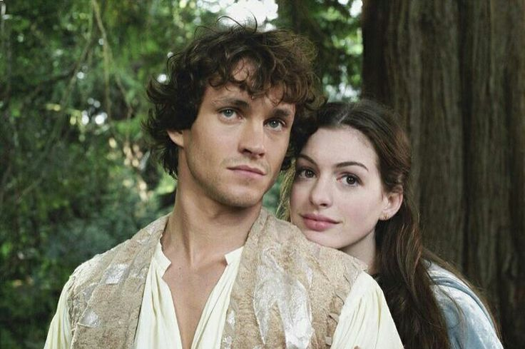 Hugh Dancy and Anne Hathaway as Prince Charmont and Ella of Frell in Ella Enchanted