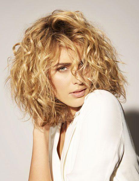 I migliori trattamenti per i capelli ricci