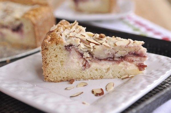 Raspberry Cream Cheese Coffee Cake - Wow this looks AMAZING!