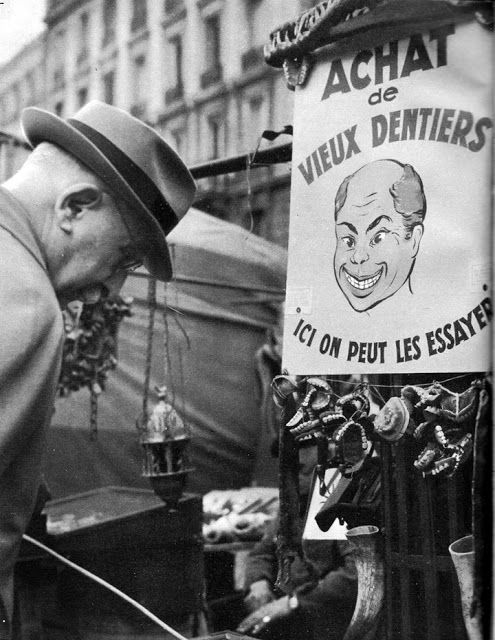 Génial, on   pouvait acheter un dentier d'occasion, chose   impensable de nos jours. Années   50
