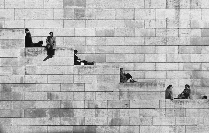 Robert Doisneau La diagonale dei gradini, Parigi, 1953 © Atelier Robert Doisneau
