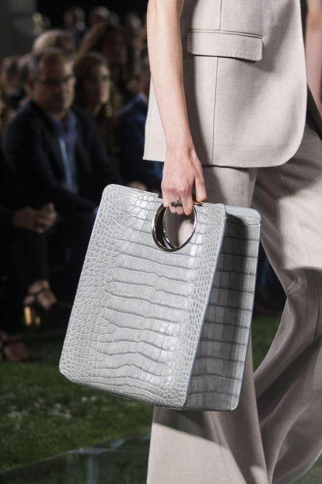 13b8d4e8fcc 7 Bag Trends Fashion Girls Can t Stop Wearing   Bags   Handbags I ...