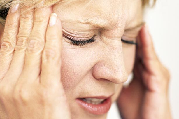 brain-tumour-woman-headache-tired-stressed.jpg (614×408)