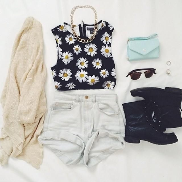 Perfectly paired. Love this shirt (Forever 21)