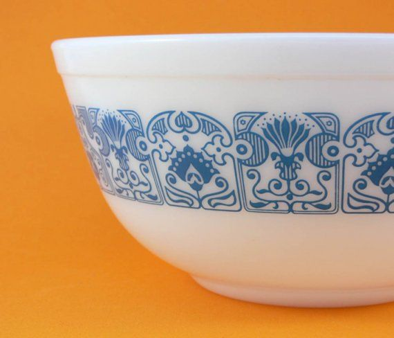 vintage pyrex bowl from the 1970's. The pattern is called Horizon Blue
