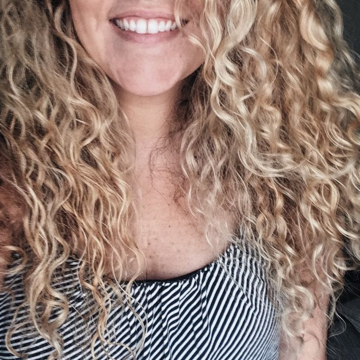 Blonde balayage for natural curly hair // Ouidad, deva curl, living proof products used