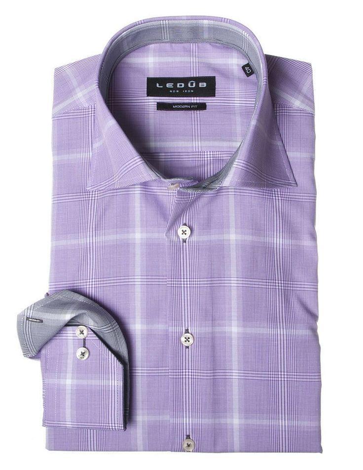 Overhemd Ledûb Paars.  Een paars overhemd?! Ja je ziet het goed, een paars overhemd! Waarom voor een basic overhemd gaan als je ook voor een prachtig paars ruitjes overhemd van Ledûb kunt gaan. Je vind dit overhemd op onze website: http://hemdenonline.nl/overhemden.html