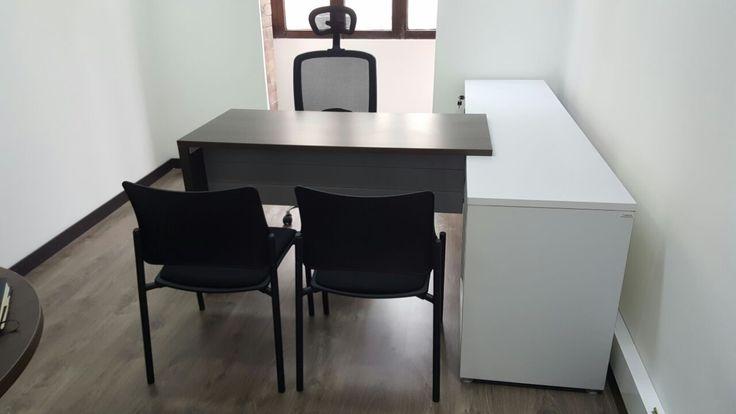 Estación de trabajo con retorno y almacenamiento. #design #furniture