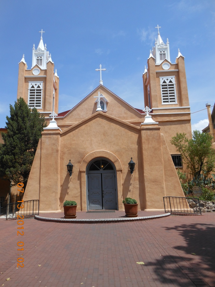 san felipe de neri catholic church We visited the church, old town plaza, and the area on a saturday afternoon lots of people but we  ask cwillini about san felipe de neri church  this is a beautiful old catholic church so worth a visit if ever in old town, abq nm this is an old catholic church, but it's worth a visit by anyone because of it's unique style and i think.