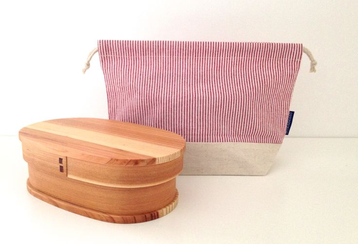 Red stripe linen bento bag.