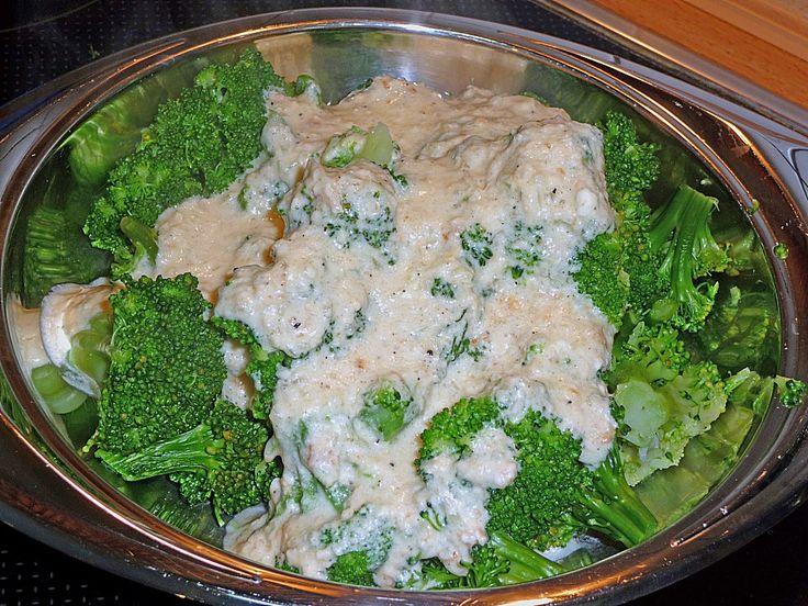 Brokkoli mit Ziegenfrischkäse - Soße